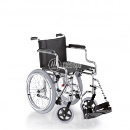 Carrozzina surace squillo pieghevole per anziani squillo for Sedia a rotelle ruote piccole