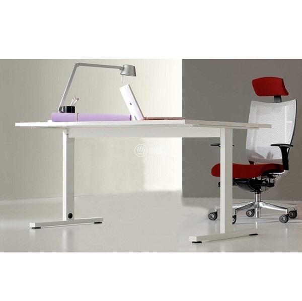 scrivania per studio medico di piccole dimensioni bianca