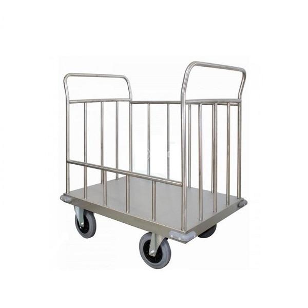 Carrello ospedaliero per il trasporto di presidi
